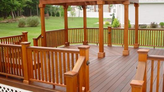 Mahogany Deck with Cedar Pergola