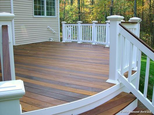 Ipé deck with custom color oil
