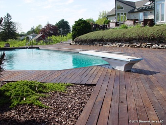 Ipé deck around pool